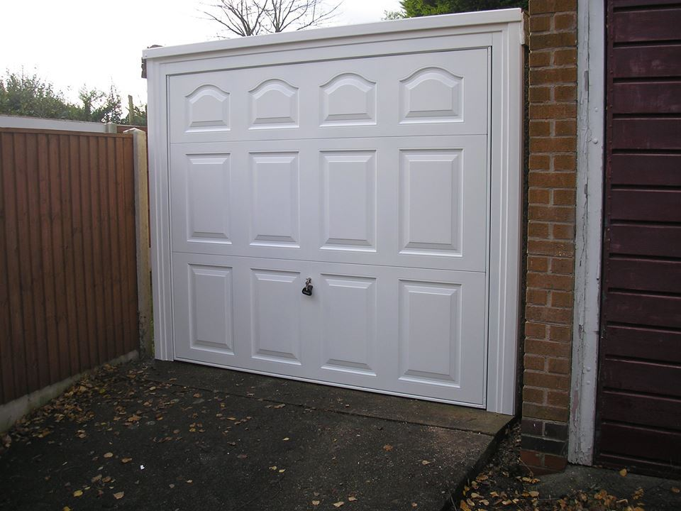 Your garage door repaired in nottingham derby and leicester